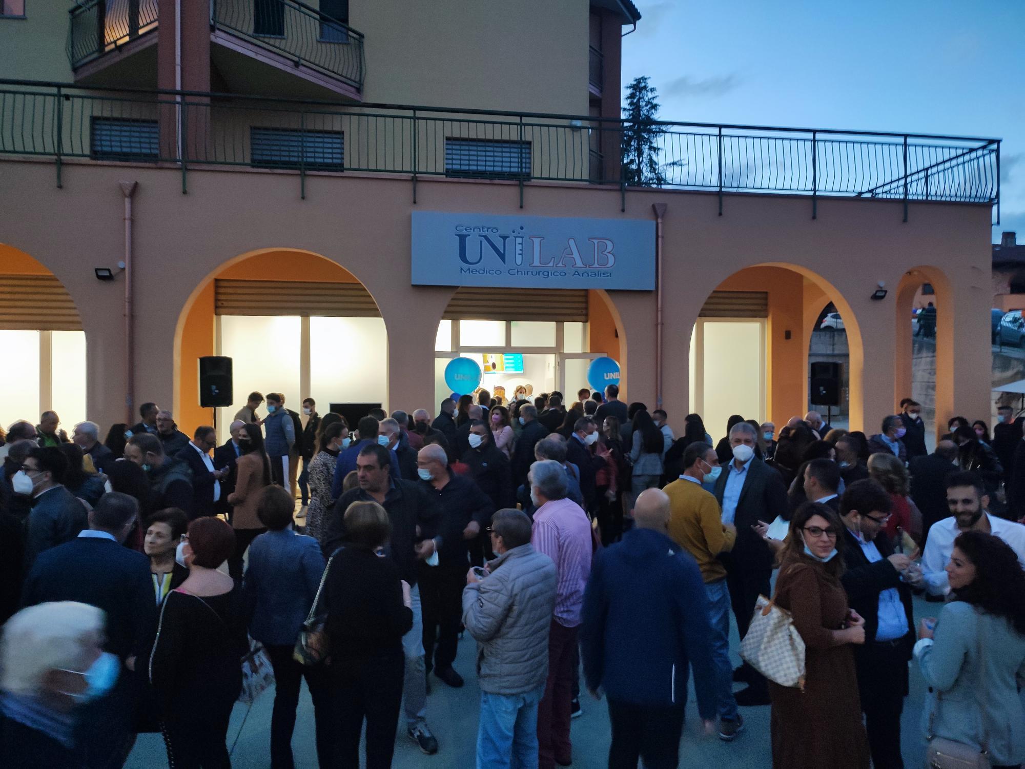 Più di 1000 persone all'inaugurazione di Unilab